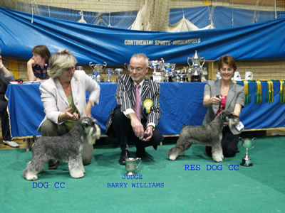Judge with Dog CC & Res Dog CC